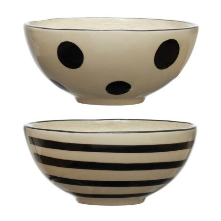 linen textured black and white stoneware bowls